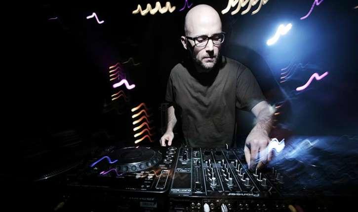 DJ Moby de New York, adoubé et promu «es» science politique par Le Figaro. La rumeur pour information!