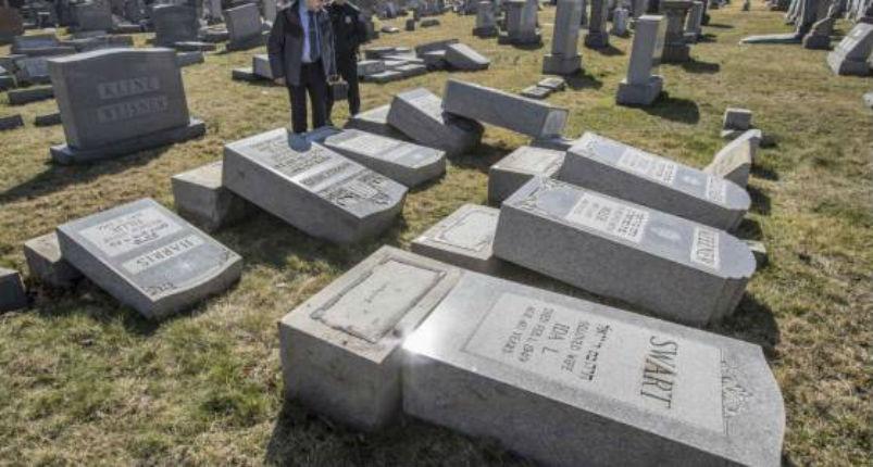[Vidéo] Philadelphie: Près de 700 tombes vandalisées au cimetière juif du Mont Carmel