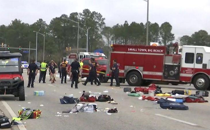 EN DIRECT – Etats Unis : Attaque à la voiture bélier contre une foule de lycéens en Alabama, onze blessés dont trois graves. Photos et Vidéos