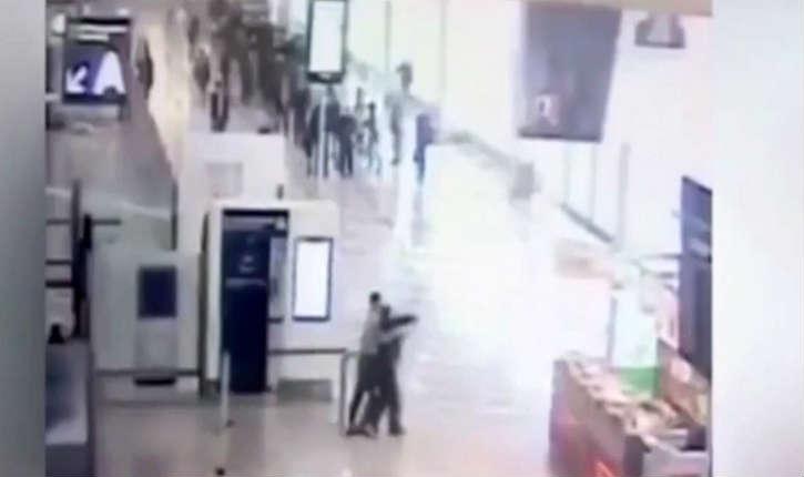 La vidéo de l'attaque dans le hall de l'aéroport d'Orly