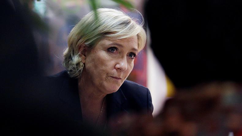 Macron interviewé par l'islamo-gauchiste Edwy Plenel qui a soutenu les terroristes de Septembre Noir : Marine Le Pen se dit scandalisée