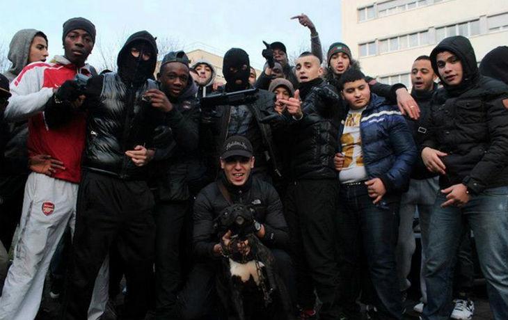 Enquête dans les lycées : 44 % des lycéens musulmans radicalisés pensent qu'il est acceptable «de combattre les armes à la main pour sa religion», 70% ne condamnent pas les attentats
