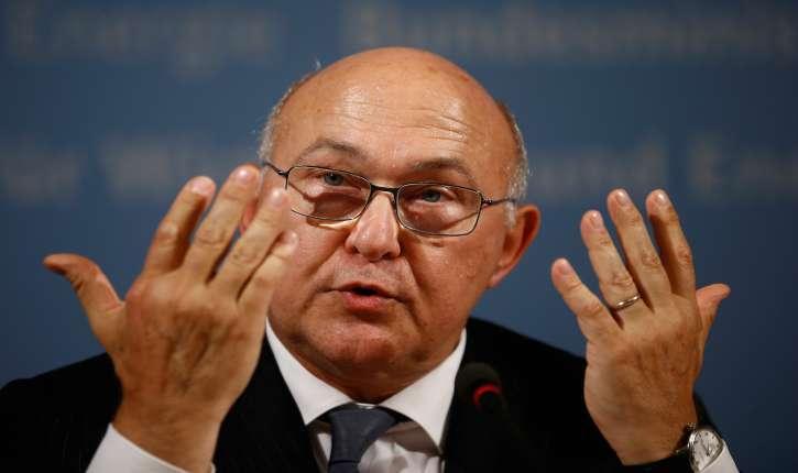 Le ministre PS de l'Économie et des Finances Michel Sapin, condamné à rembourser près de 100 000 euros au Trésor public.