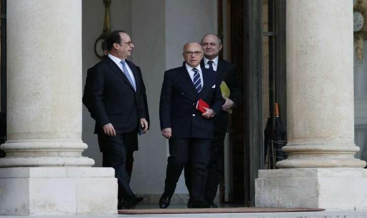 Gouvernement Hollande : après la révélation des 24 CDD (55 000 euros) pour ses filles encore lycéennes, Bruno Le Roux annonce sa démission