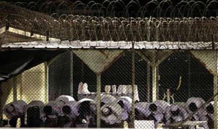 Prison : le ministre de la Justice Urvoas envisage de faire voter les détenus aux législatives