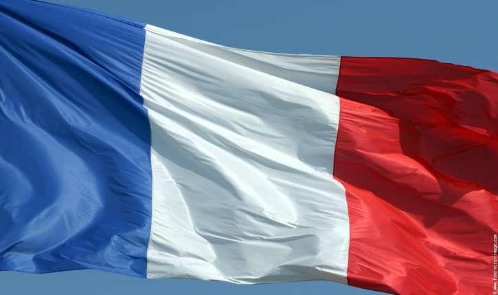 Christine Tasin. Présidentielles : le CSA vire drapeau français et Marseillaise par peur du « nationalisme délirant »