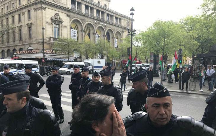 Rassemblement antisémite à Châtelet : Parqués comme des bêtes, ils étaient à peine 150 protégés par des centaines de policiers… Nous étions au moins 500 à hurler notre colère [Vidéo en direct]