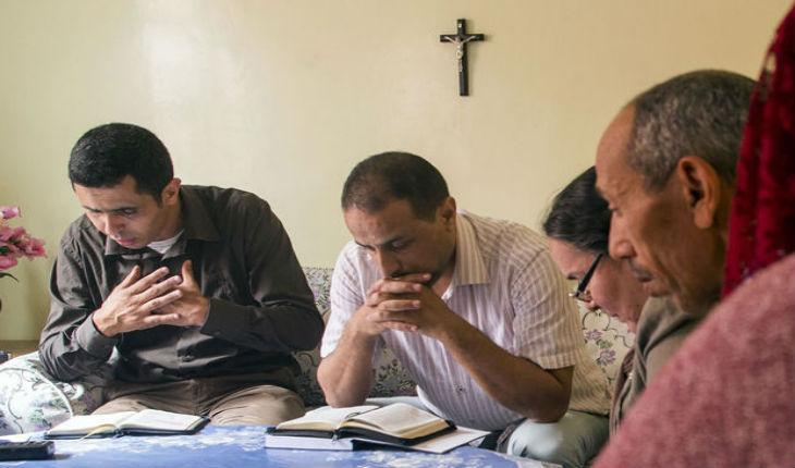 Au Maroc, les convertis au christianisme sortent de l'ombre et tentent de briser un tabou