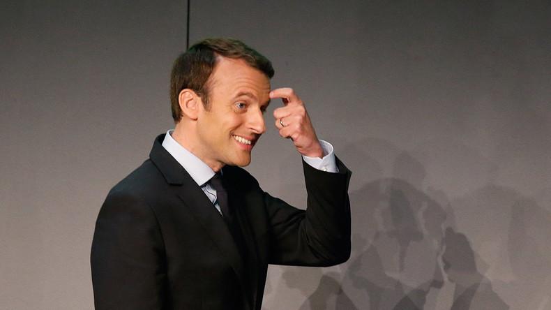 Quand Emmanuel Macron avoue ne pas comprendre son propre discours «Je vous lis ce qu'on a m'a mis» (VIDEO)