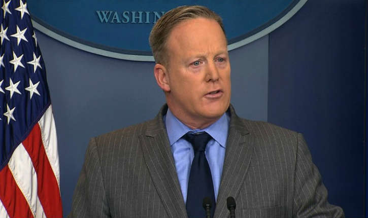 Sean Spicer, porte-parole de la Maison-Blanche s'excuse pour avoir déclaré : «Hitler n'a pas utilisé d'armes chimiques»