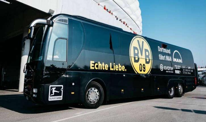 Explosion de trois «charges d'explosifs» près du bus de l'équipe de football allemande de Dortmund, un joueur blessé