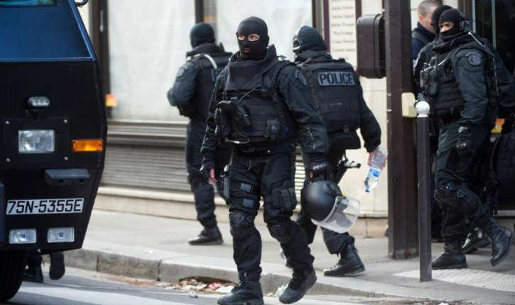 Paris : plusieurs bonbonnes de gaz découvertes, un des suspects était fiché pour radicalisation
