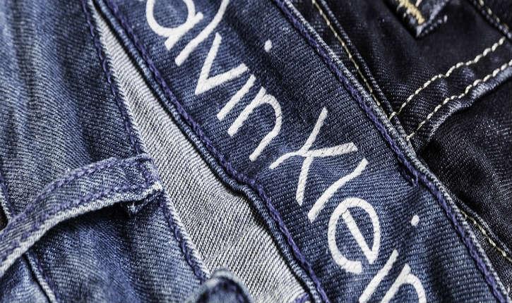 Calvin Klein, né de parents immigrés juifs hongrois est une figure emblématique du prêt-à-porter américain