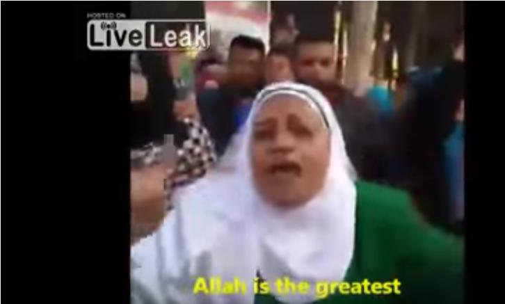 (Vidéo) Explosion de joie d'une musulmane «modérée» après l'attentat en Égypte qui a ciblé les églises et les chrétiens