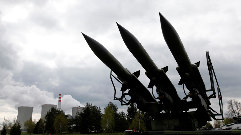 La Corée du Nord menace de tirer des missiles sur les bases américaines de Guam