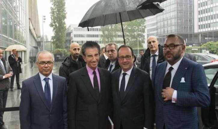 Paris : Hollande, Jack Lang et le roi du Maroc visitent l'exposition « Trésors de l'Islam en Afrique »