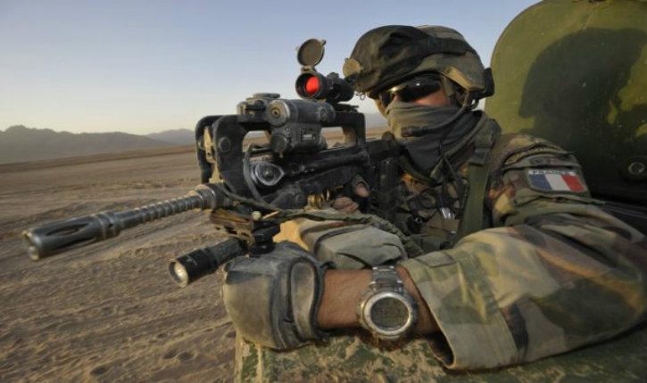 Les forces spéciales françaises recrutent des soldats irakiens dans le but de tuer des Français membres de l'État islamique