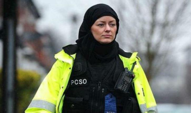 Bruxelles pourrait engager des femmes policiers portant le voile