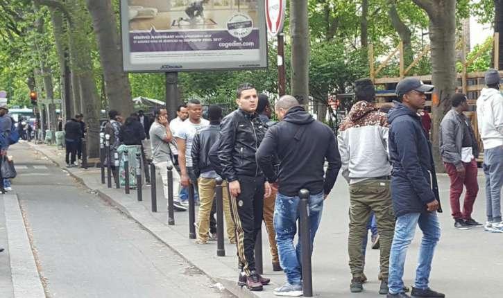 Paris : les femmes chassées des rues dans le quartier Chapelle-Pajol