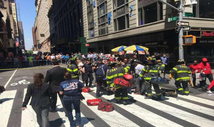 [Vidéo] New York: Un véhicule fonce sur des piétons à Times Square, un mort et de nombreux blessés (MàJ)