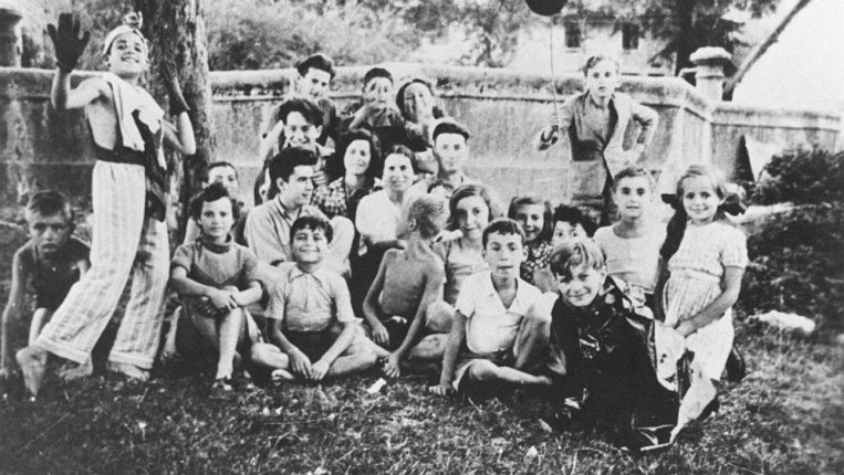 La maison d'Izieu, un drame affligeant. 1943-1944. Les 44 enfants assassinés n'auraient-ils pas pu être dispersés à temps ? Par André Charguéraud