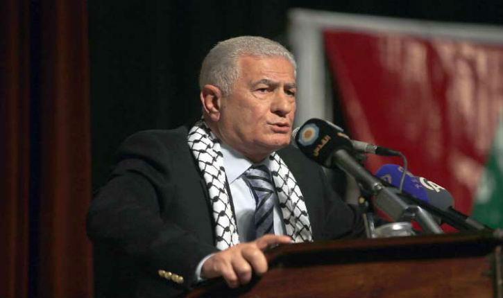 Abbas Zaki, comité central du Fatah : « Notre prophète Mohammed s'est envolé de la Mecque à la mosquée Al-Aqsa, et de là, il est monté au Paradis. Trump ignore tout de cela »