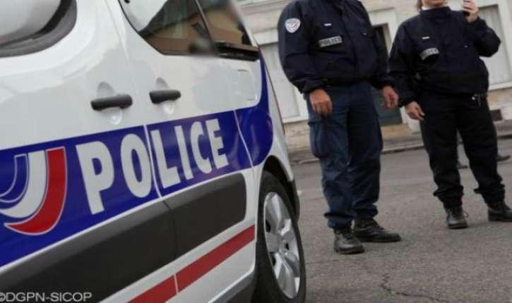 Bordeaux : portant un brassard « Jihad », il attaque des policiers dans un commissariat et les menace de mort « au nom d'Allah »