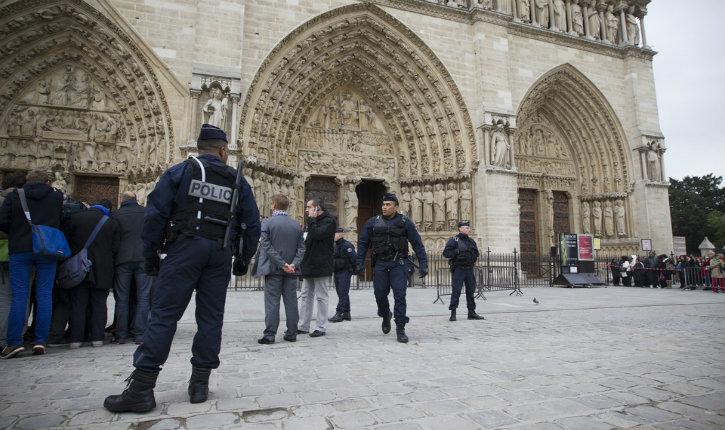 Attentat terroriste à Notre-Dame de Paris: Policier agressé, le parquet antiterroriste ouvre une enquête