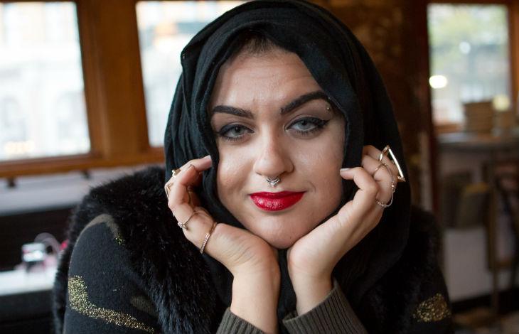 Nice (06) : Forcée de retirer son voile islamique à l'aéroport, une activiste musulmane veut porter plainte