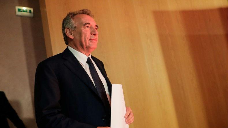 Pour «sauver le modèle français», François Bayrou préconise une hausse de la natalité et une hausse de l'immigration