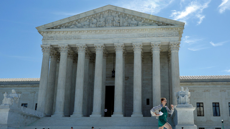 Le décret anti-immigration de Donald Trump en partie validé par la Cour Suprême