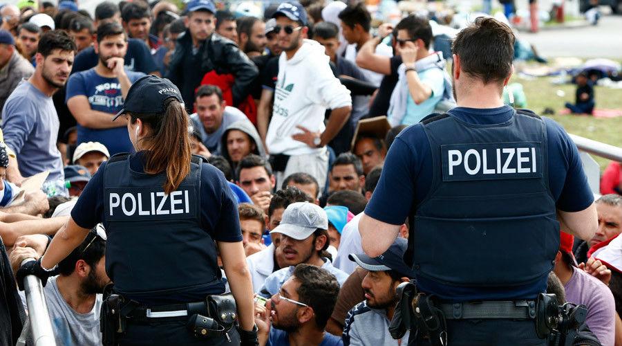 Grèce : manifestation agitée de migrants syriens exigeant un regroupement familial vers l'Allemagne (Vidéo)