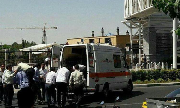 Iran: Double attentat suicide au parlement, plusieurs blessés