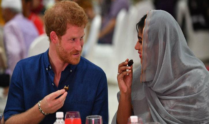 Le prince Harry a rendu hommage aux victimes de l'attentat en… partageant le repas du Ramadan avec des musulmans