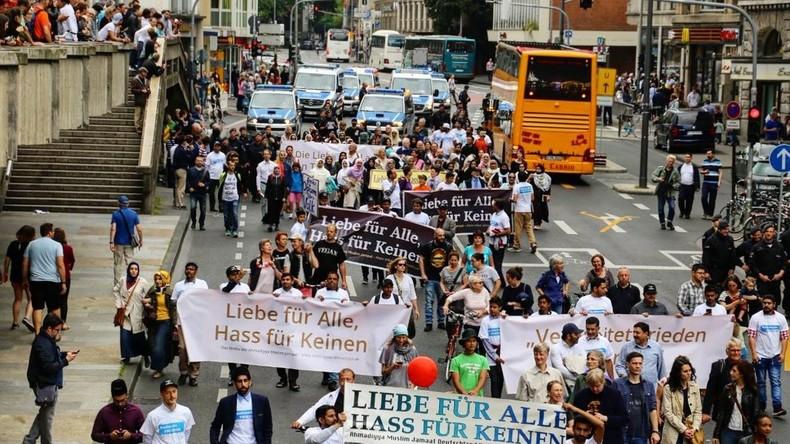 Allemagne : La «grande» marche des musulmans contre le terrorisme réunie à peine 2 000 personnes sur les 10 000 espérées… dont beaucoup de militants non musulmans