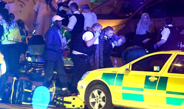 Londres : un camion «fou» fauche des piétons près d'une mosquée, plusieurs blessés