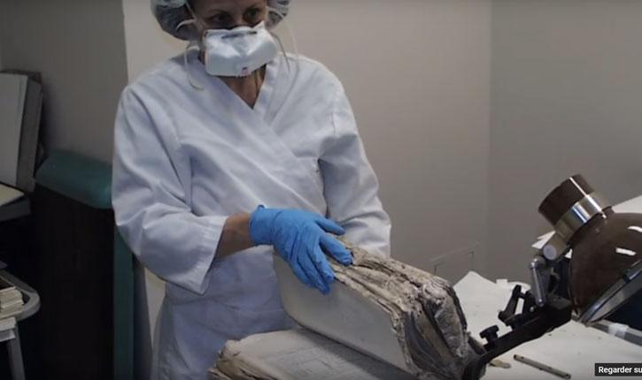 [Vidéo] Des trésors cachés du judaïsme oriental dans les sous-sols de Saddam Hussein