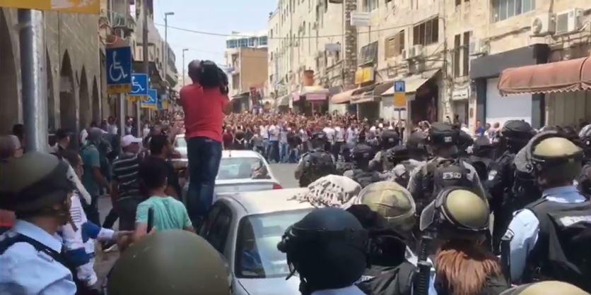 [Vidéo] Emeutes à Jérusalem : la police disperse une foule d'arabes en 17 secondes !