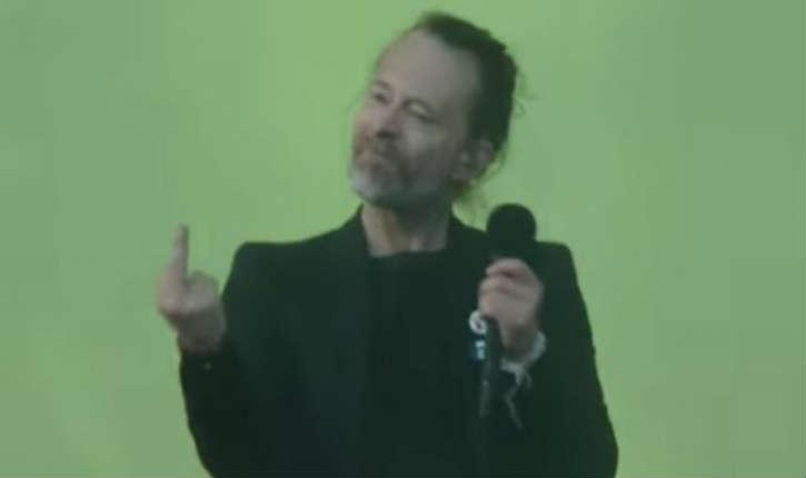 [Vidéo] Glasgow : Thom Yorke, le leader du groupe Radiohead décoche un magistral doigt d'honneur aux activistes de BDS