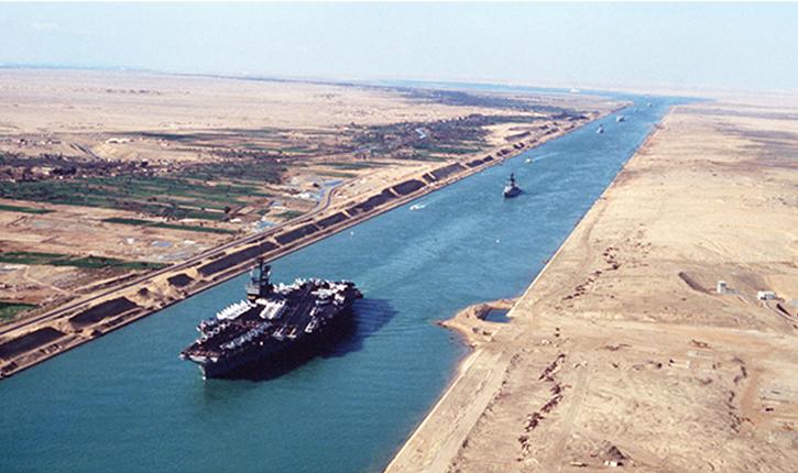 Guerre Saoudite-Qatar: Les navires du Qatar interdits de stationner dans le port du Canal de Suez