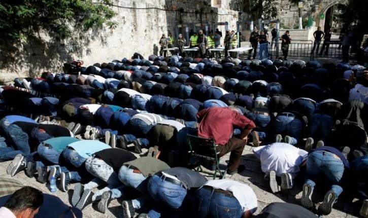 [vidéo] Jérusalem, Mont du Temple : Suite à l'attentat terroriste contre des policiers, des portiques de sécurité ont été installés