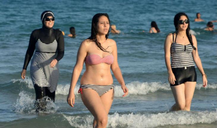 Algérie : la révolte des femmes en bikini pour « changer la société profondément et en douceur »