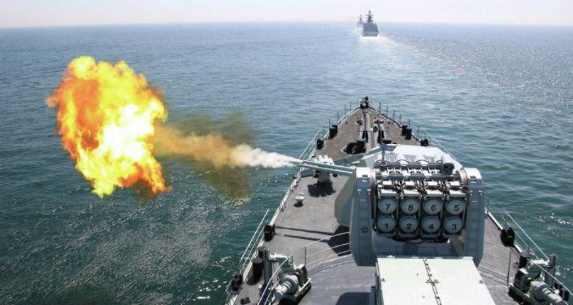 Un navire américain tire des coups de semonce contre un vaisseau iranien