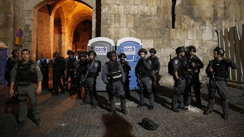 La police israélienne interdit l'accès à la vieille ville de Jérusalem aux hommes de moins de 50 ans