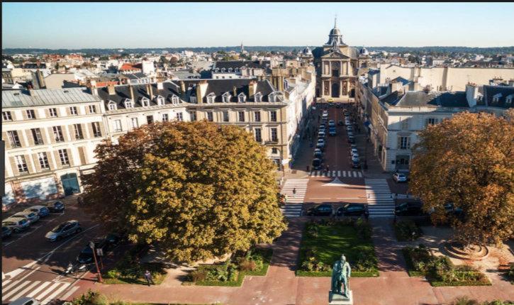 Versailles annule le feu d'artifice du 13 juillet « Nous ne sommes pas en mesure de répondre aux exigences de l'Etat en matière de sécurisation »