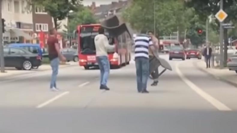 [Vidéo] Le terroriste islamiste de Hambourg poursuivi par la foule en pleine rue