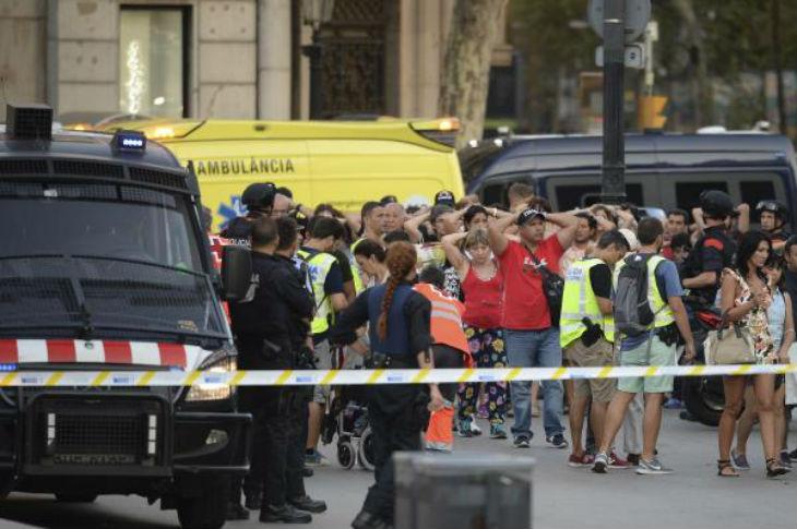Barcelone : Le suicide bisounours européen «Nos politiques nous ont mis dans une situation migratoire échappant à tout contrôle, important l'islam et sa guerre civile»