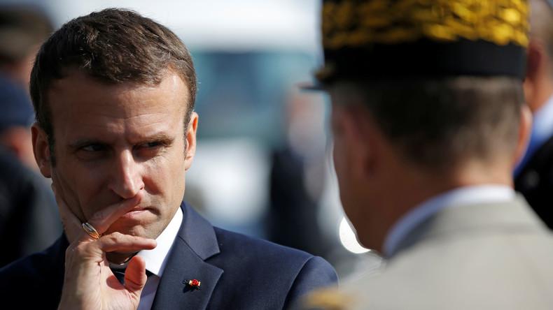 Macron met plus de 12 heures à exprimer son soutien aux militaires après l'attaque de Levallois «Le grand chef des armées @EmmanuelMacron ne se rend même pas au chevet des militaires blessés»