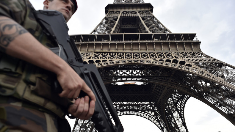 L'islamiste assaillant de la tour Eiffel est encore un pseudo «déséquilibré» déjà condamné pour apologie du terrorisme…