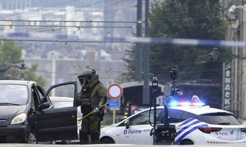 Molenbeek : la police fait feu sur un véhicule en fuite, un «déséquilibré» arrêté (Vidéo)